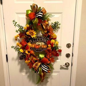 Sale on all fall wreaths!!!